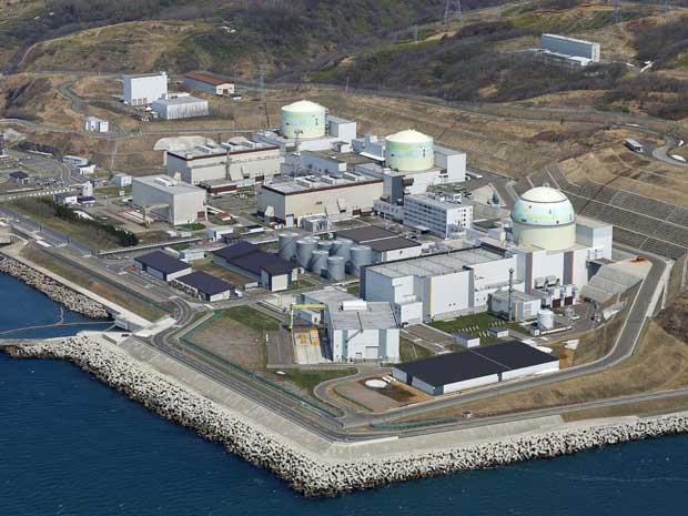 Imagem aérea da usina nuclear de Tomari. Seu último reator será desligado para manutenção que pode durar mais de 70 dias. (Foto: Arquivo / Kyodo News / AP Photo)