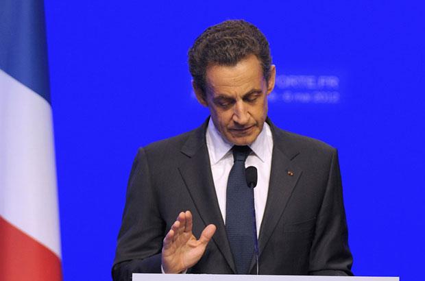 Nicolas Sarkozy reconheceu sua derrota nas eleições na França em discurso para seus apoiadores (Foto: Philippe Wojazer/Reuters)