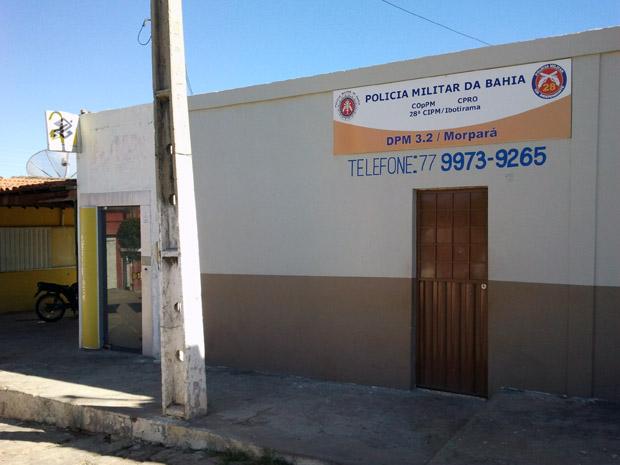 Caixa eltrônico fica ao lado do posto policial do município. (Foto: Glauco Araújo/G1)