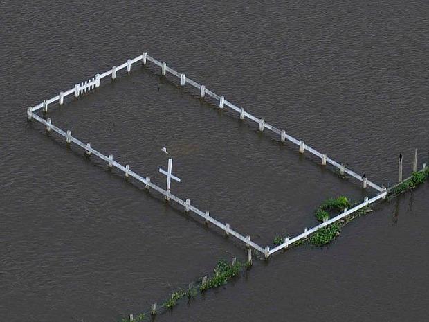 Nove cemitérios do município estão submersos (Foto: Chico Batata/Agecom)