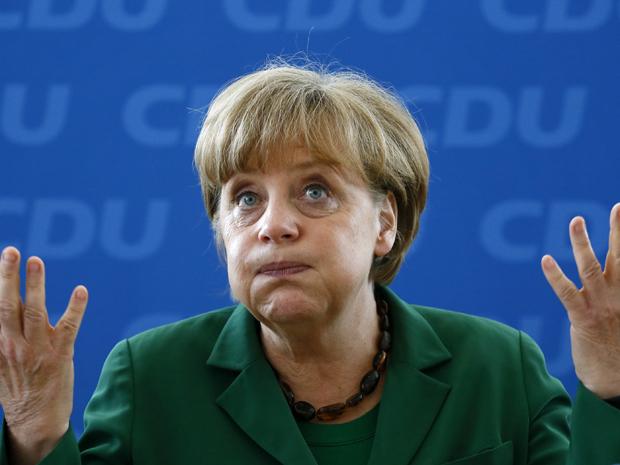 Chanceler alemã, Angela Merkel, durante reunião de seu partido, em Berlim, nesta segunda-feira (7) (Foto: Reuters)