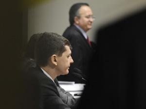 O delegado Raul Alexandre Marques Sousa, da PF, durante depoimento à CPI (Foto: Fabio Pozzebom / Ag. Brasil)