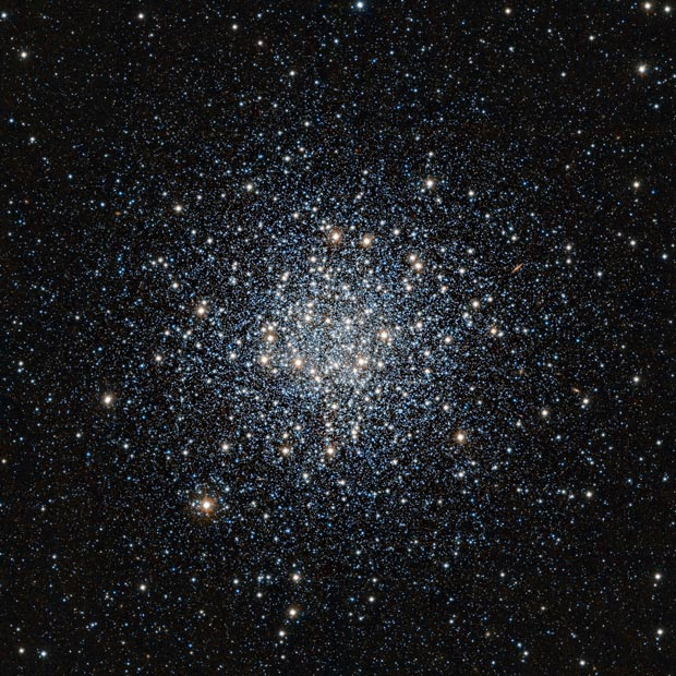 Aglomerado globular Messier 55, situado na constelação do Sagitário (Foto: ESO/J. Emerson/VISTA. Acknowledgment: Cambridge Astronomical Survey Unit)