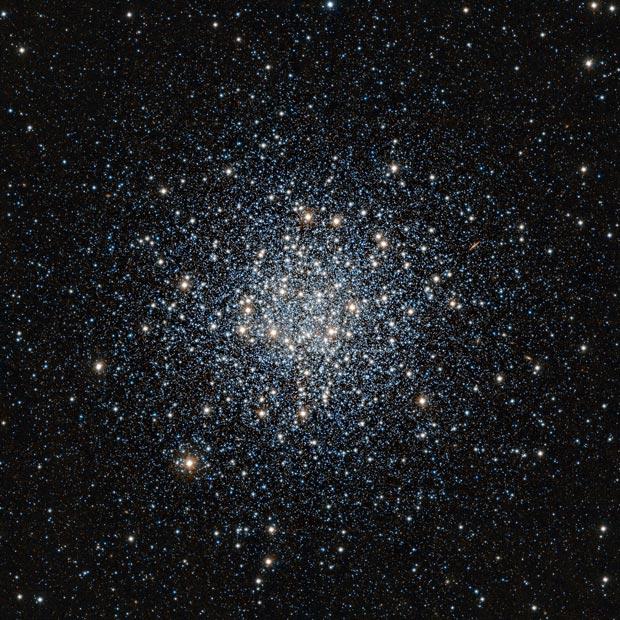 Aglomerado globular Messier 55, situado na constelação do Sagitário (Foto: ESO/J. Emerson/VISTA. Acknowledgment: Cambridge Astronomical Survey Unit)