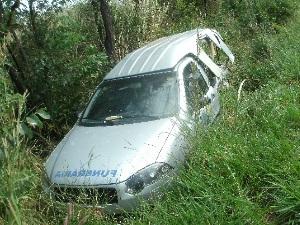 Passageiro de carro funerário morre em engavetamento na BR-153, em GO (Foto: Divulgação/PRF-GO)