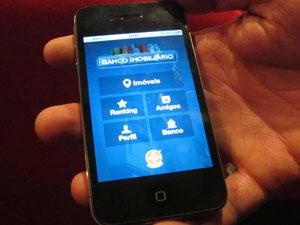 Banco Imobiliário Geo por enquanto estará disponível apenas para iPhone (Foto: Gabriela Gasparin/G1)