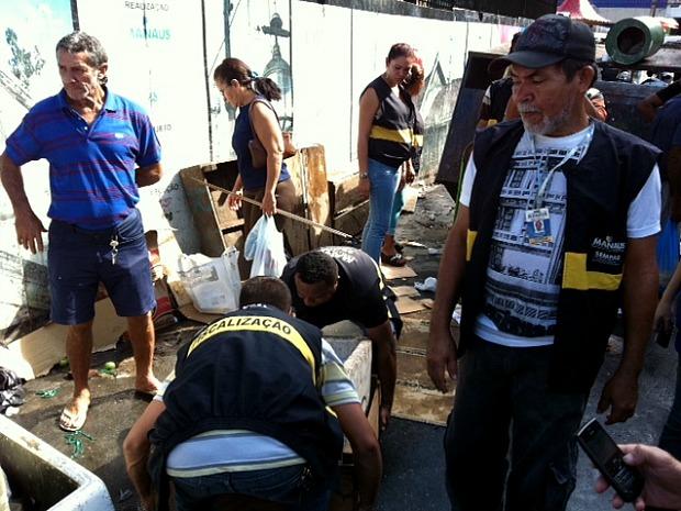 Operação retirou camelôs do Centro de Manaus (Foto: Carlos Eduardo Matos/G1)