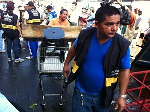 Ambulantes foram informados sobre a operação e poucos estavam no local (Foto: Carlos Eduardo Matos/G1)