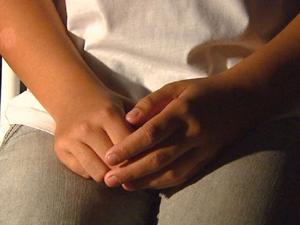 Menina contou como foi violência que sofreu dentro de sala de aula. (Foto: Reprodução/EPTV)