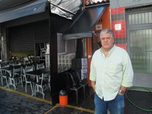Dono de hamburgueria reclama de falta de informação (Foto: Juliana Cardilli/G1)