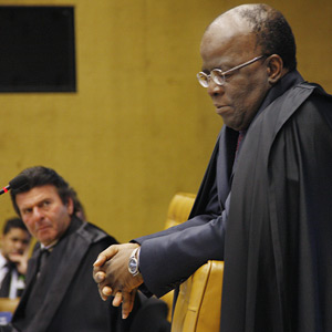 O ministro Joaquim Barbosa durante sessão do Supremo desta quarta (9) (Foto: Gervásio Baptista / SCO / STF)
