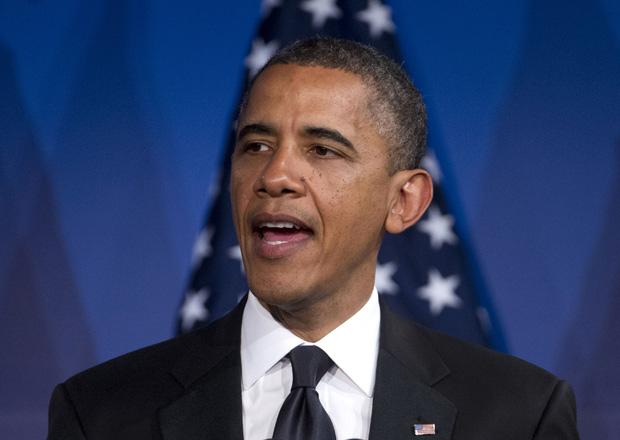 Obama durante entrevista na terça (8); em entrevista à ABC, nesta quarta, o presidente anunciou seu apoio pessoal à união entre pessoas do mesmo sexo (Foto: Evan Vucci / AP)