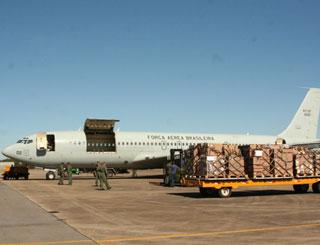 29/05/2013 -  FAB abre oferta de compra de avião para substituir o famoso 'Sucatão'