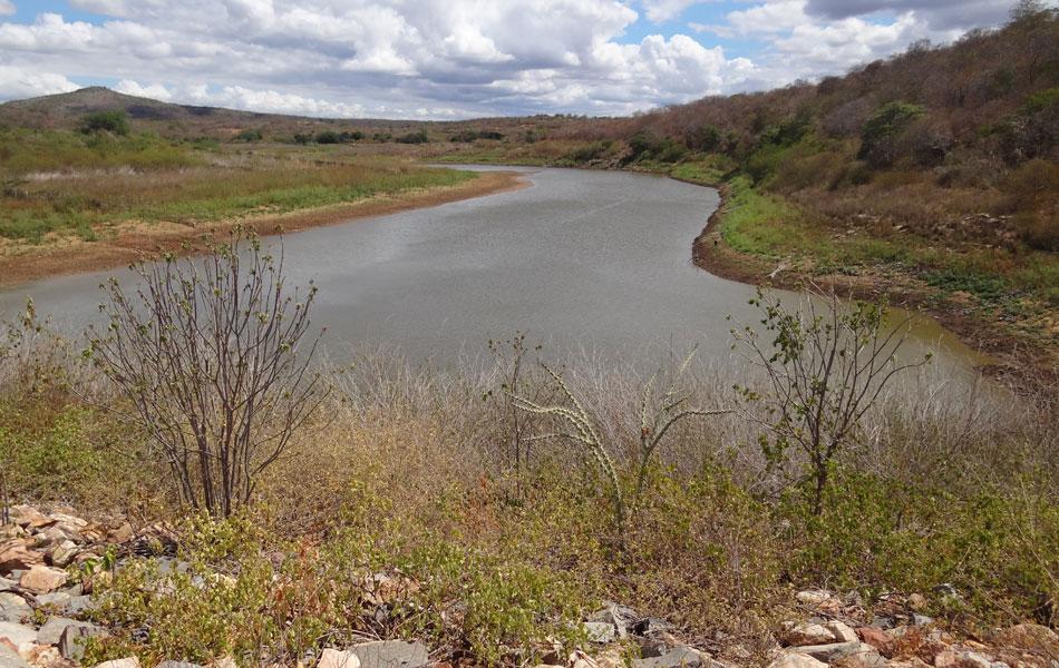Barragem Cacimbas abastecia a zona urbana de Santa Cruz, onde vivem cerca de 4,4 mil pessoas.