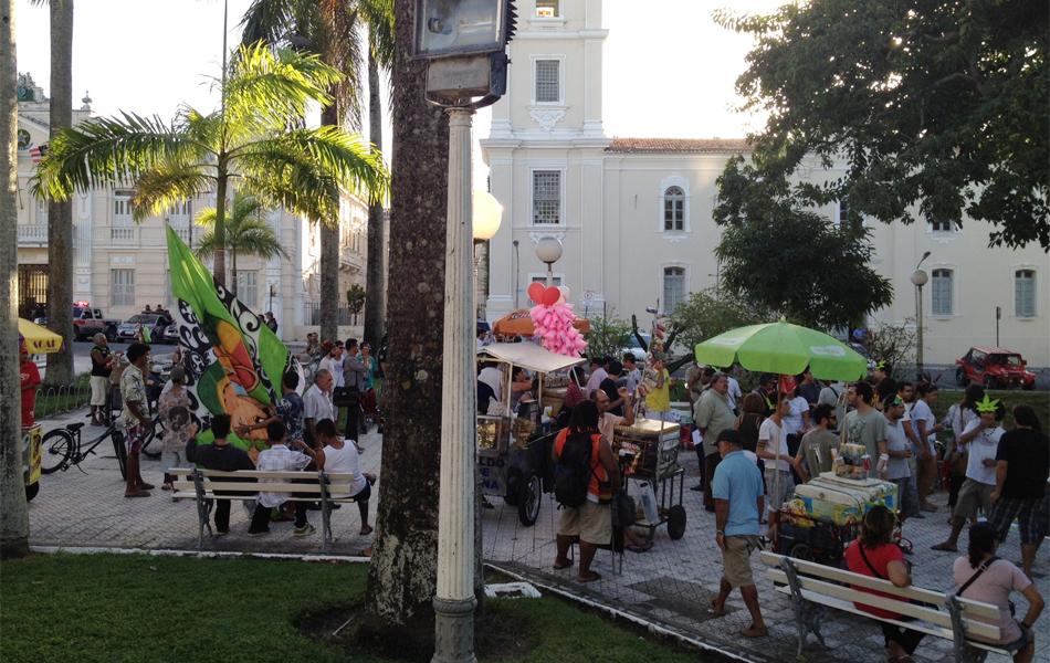 Concentração foi na Praça dos Três Poderes, no Centro de João Pessoa