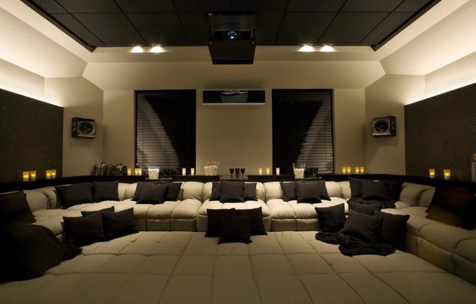Populares Projetos de home theater unem conforto e automatização - fotos em  EB52