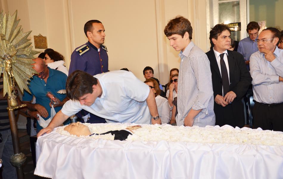 O deputado federal Ruy Carneiro (PSDB) se despediu de Ronaldo Cunha Lima