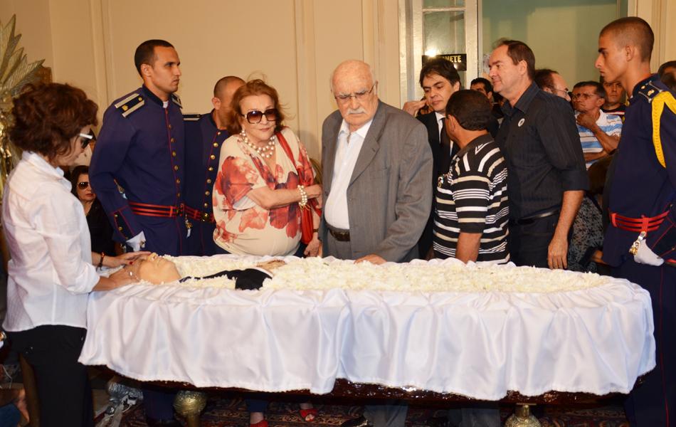 Os políticos Lúcia e Wilson Braga se despediram de Ronaldo Cunha Lima