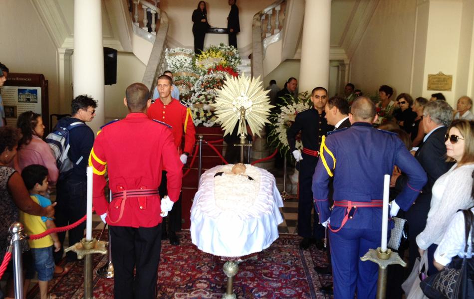 Ronaldo Cunha Lima morreu aos 76 anos neste sábado (7) em João Pessoa e o velório acontece no Palácio da Redenção