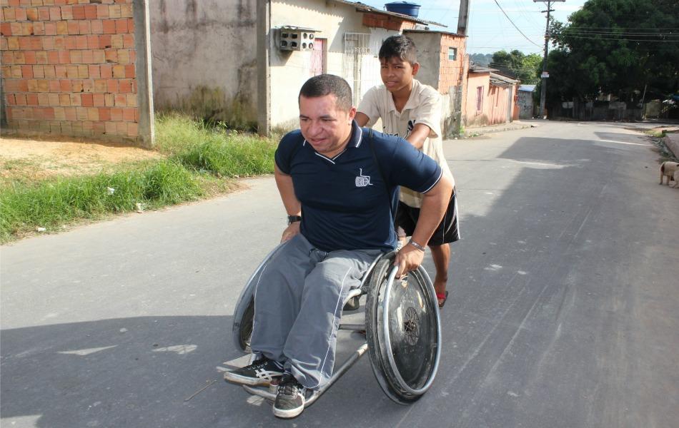 Adesivo Para Geladeira De Kombi ~ Veja fotos dos desafios de um deficiente físico em Manaus fotos em Amazonas g1