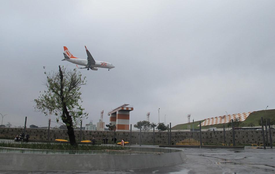 Praça fica perto da cabeceira da pista do Aeroporto de Congonhas