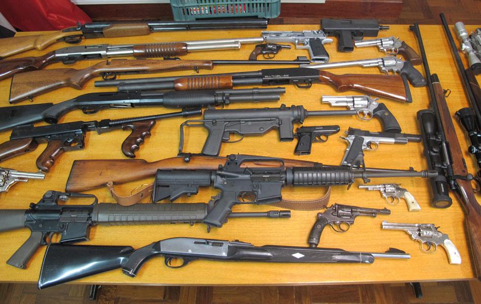 Armas do casal Matsunaga que foram apreendidas estão no Departamento de Homicídios e de Proteção à Pessoa (DHPP)