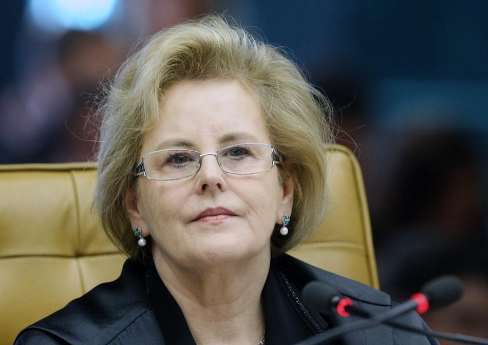 2 de agosto - Ministra Rosa Weber vota contra o desmembramento do processo