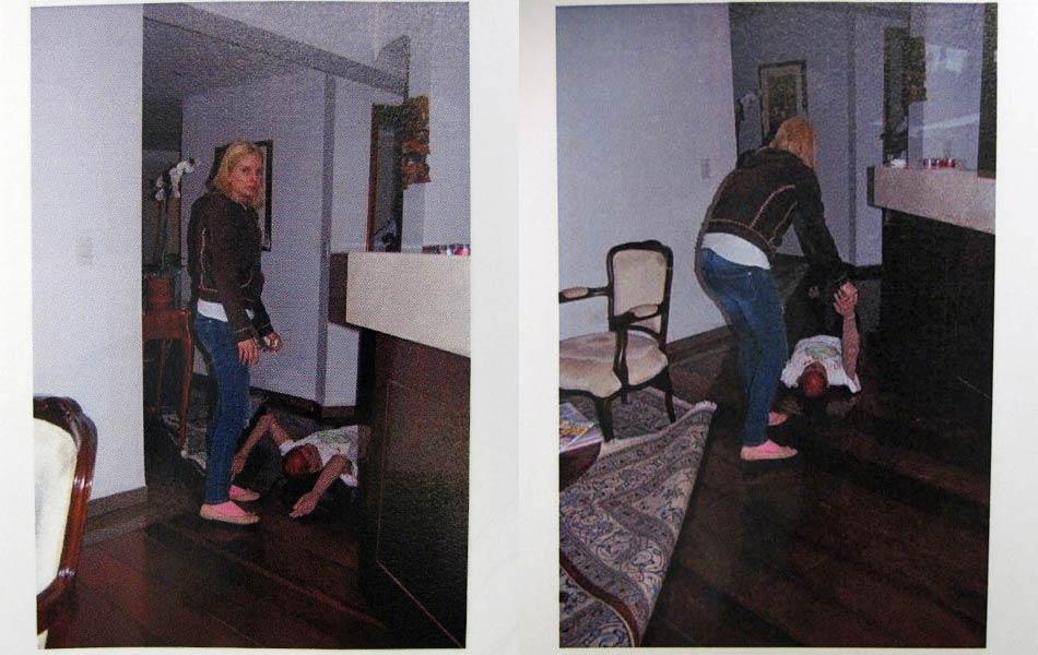 """Laudo: """" Elize realiza paradas ao longo do trajeto devido ao esforço realizado para arrastar o corpo de Marcos. Para passar pela sala do bar, Elize chega a deslocar uma cadeira e dobrar o tapete da sala"""", conforme texto do laudo."""