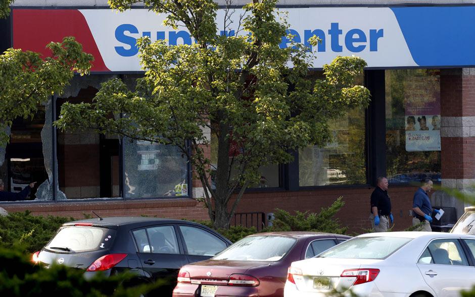 Mercado teve vidros quebrados no tiroteio em Nova Jersey