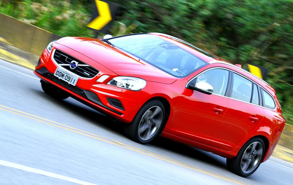 Volvo V60 R-Design é o primeiro sportwagon da marca sueca