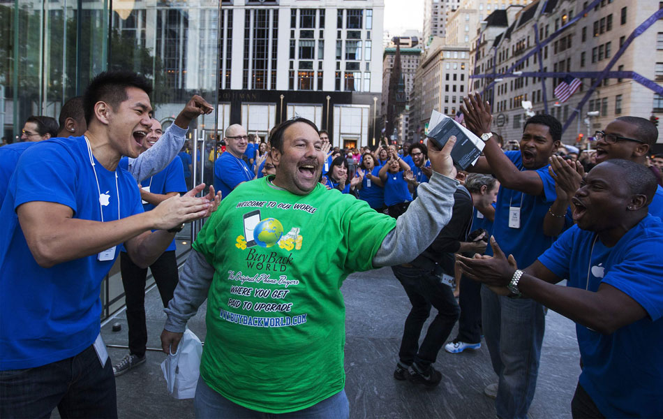 Greg Parker foi o primeiro a comprar o iPhone em Nova York, nos EUA