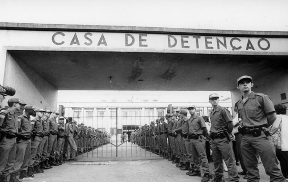 [SUG] Rebelião na Penitenciária - Página 2 Carandiru1