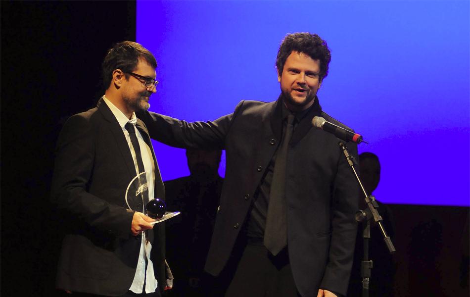 Marcello Vindicato e Selton Mello, vencedores do prêmio de 'Melhor roteiro original' por 'O palhaço'