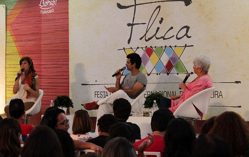 Atriz e apresentadora Maria Paula dividiu debate com escritora baiana Miriam de Sales