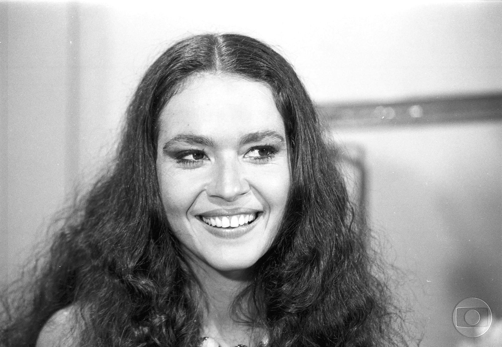 Regina Dourado como Nancí em 'Pai herói', de 1979