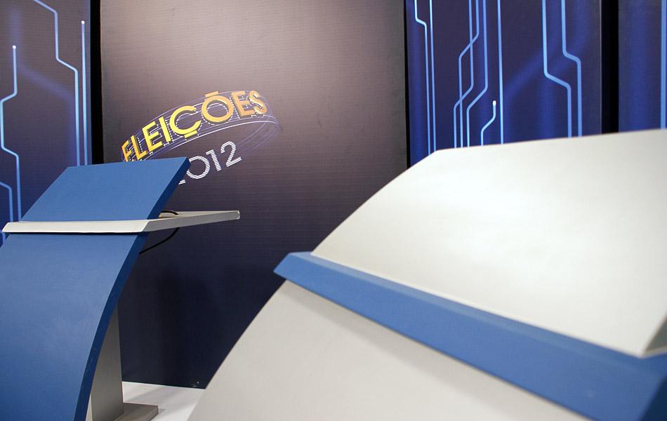 Estúdio onde acontece o debate na noite desta sexta-feira (26), na TV Bahia, em Salvador