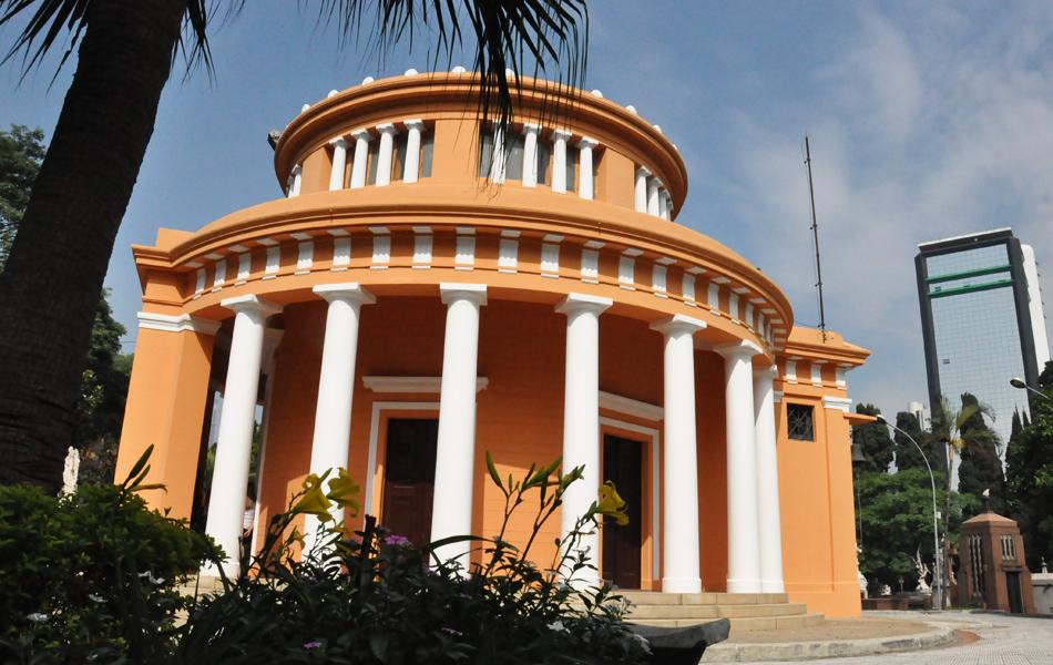 Capela do Cemitério da Consolação projetada por Ramos de Azevedo