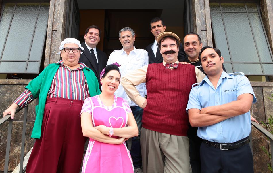 Marcos Paulo e o elenco dirigido por ele no humorístico 'Os caras de pau', em março de 2012