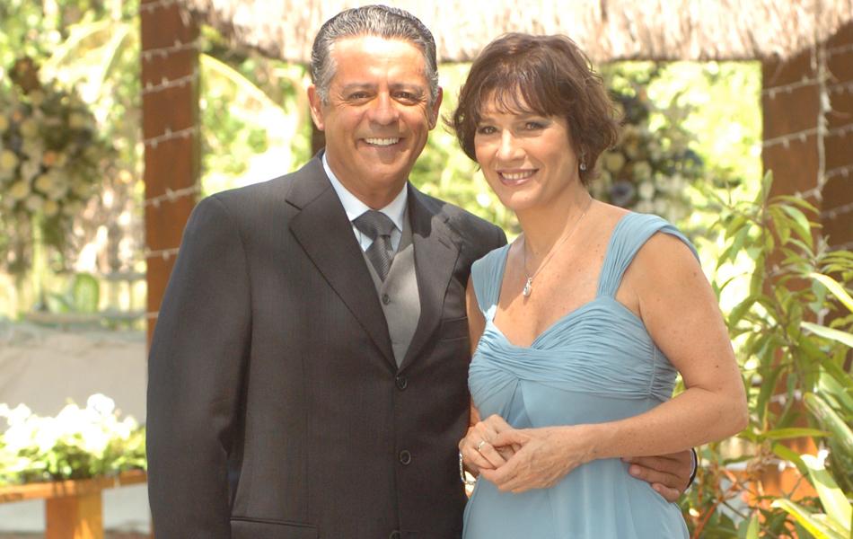 Em 'Começar de novo' (2005), o ator interpretou Miguel (Marcos Paulo), que se casou com Letícia (Natália do Vale)