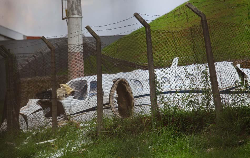 Ocupantes do avião que saiu da pista de Congonhas sobreviveram ao acidente