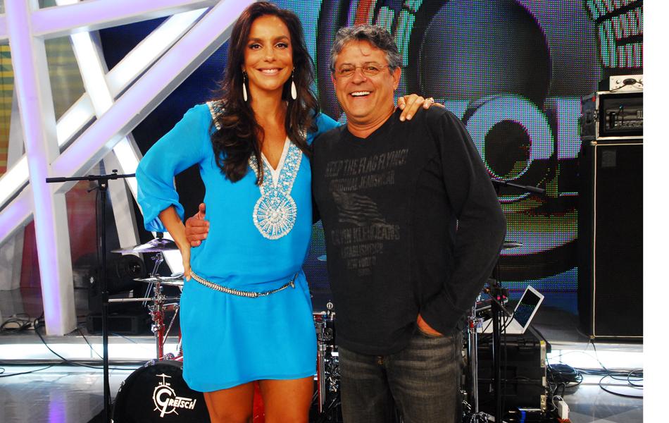 Com Ivete Sangalo, na apresentação de 'Estação Globo', em 2008