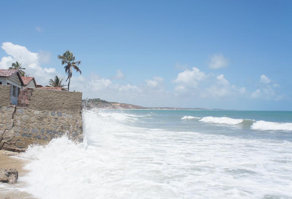 G1 visitou uma das mais belas praias do estado que fica a 77 km da capital para ver de perto os estragos causados pelo mar em Baía da Traição
