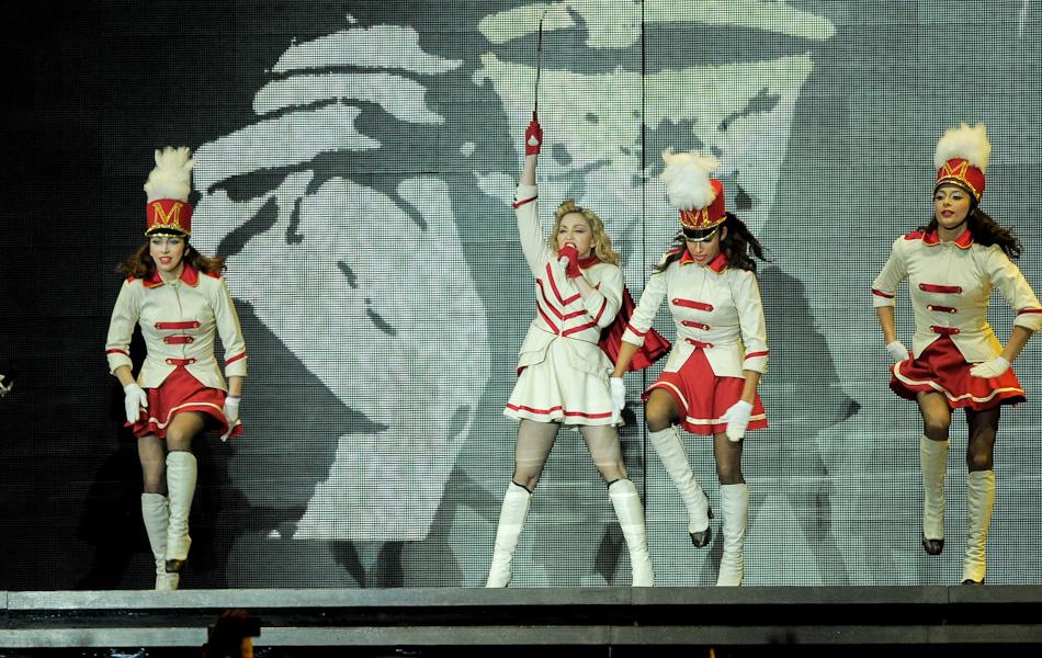 Madonna se apresentação em São Paulo nesta terça-feira (4), no estádio do Morumbi.