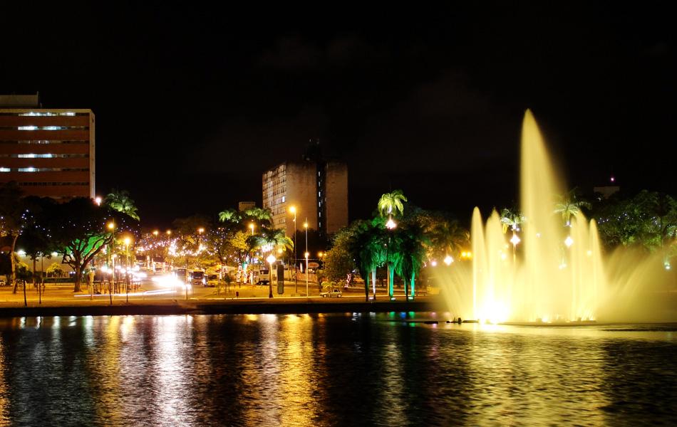 Centro de João Pessoa recebeu iluminação especial neste Natal