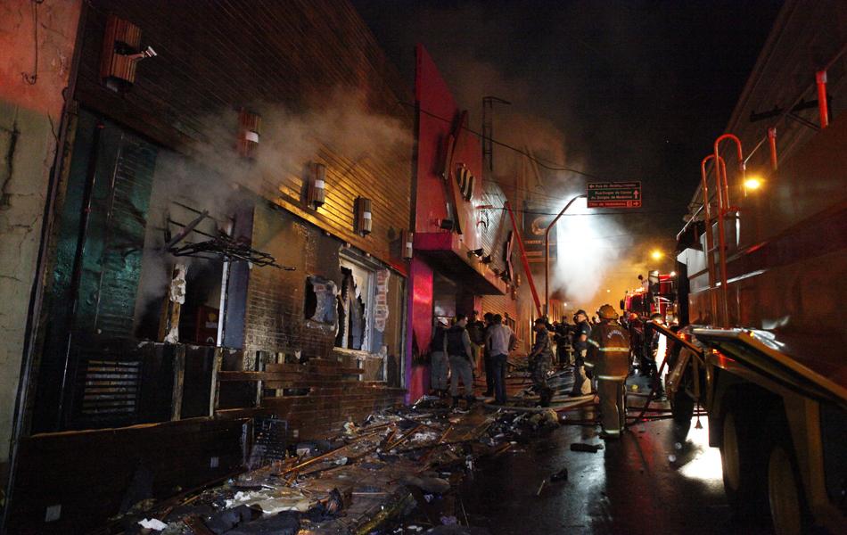 27 de janeiro - Incêndio em boate deixou mais de 200 mortos no RS