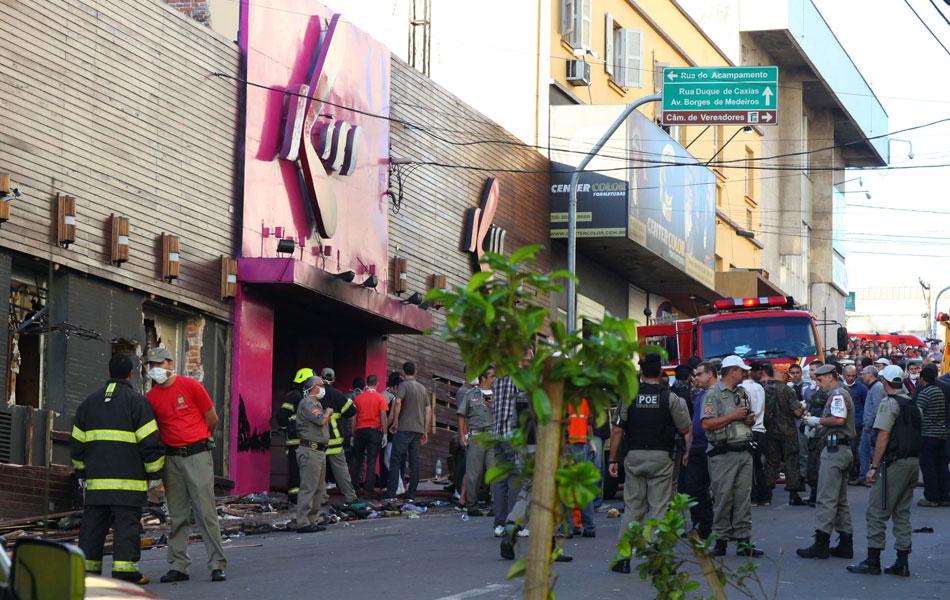 Boate incendiada na madrugada deste domingo fica localizada a rua dos Andradas, em Santa Maria