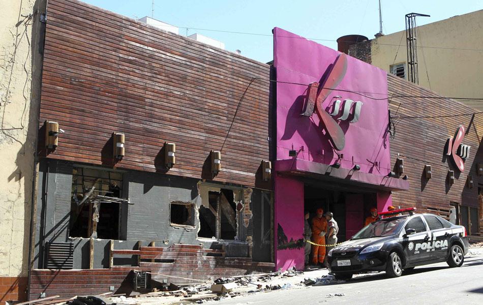Fachada da boate Kiss, após incêndio que deixou mais de 230 mortos