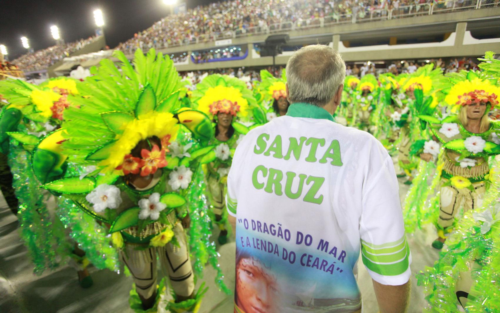 A Acadêmicos de Santa Cruz levou cerca de 2500 componentes para a avenida