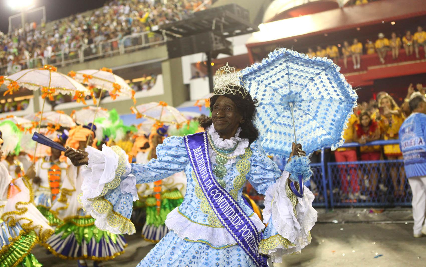 Em seu desfile em 2013, Portela lembrou os seus 90 anos de existênci