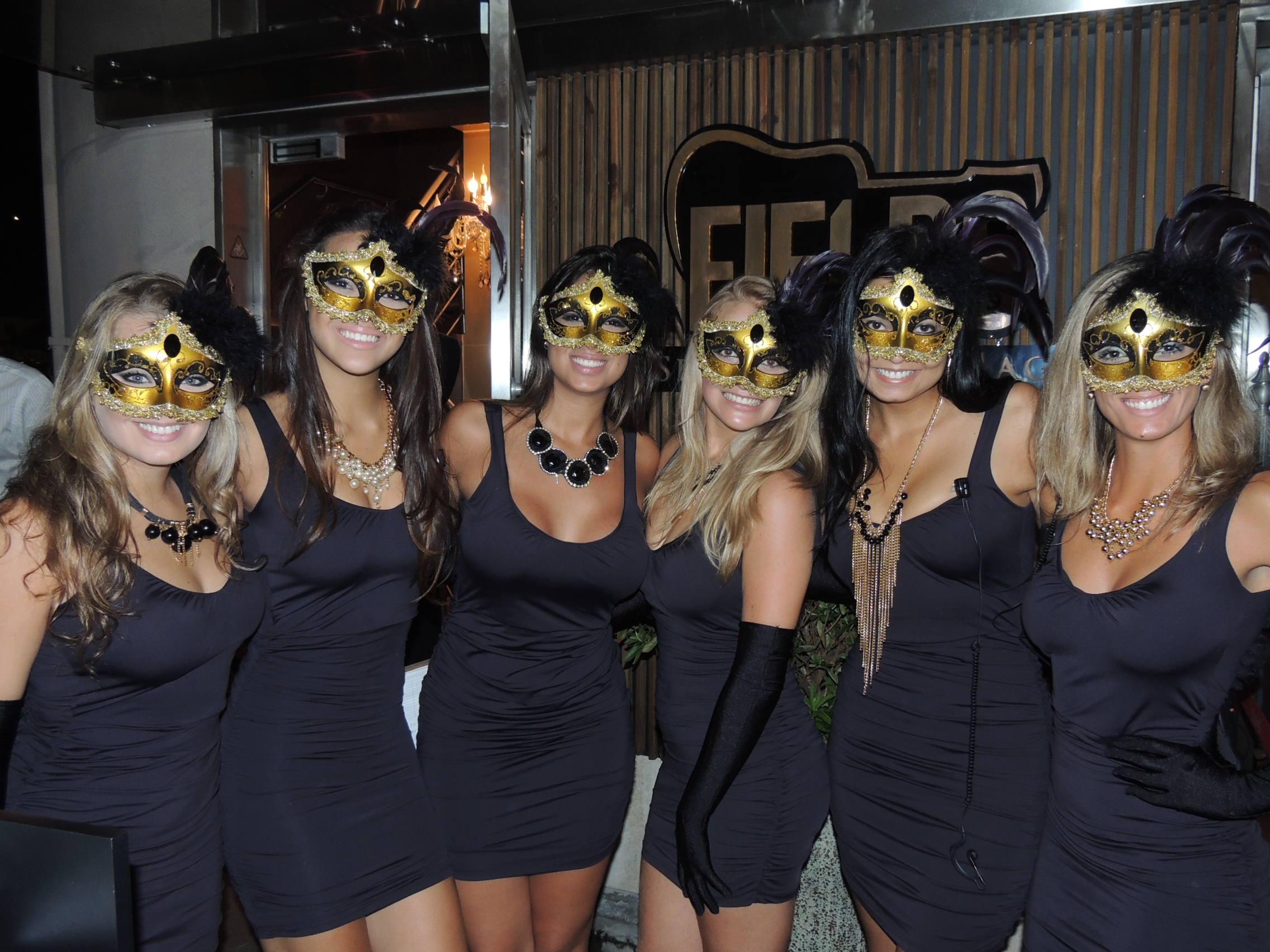 12/2/2013 - Musas em baile de máscaras e fantasias em Florianópolis